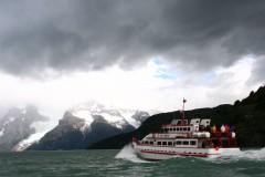 Navegación en el fiordo Última Esperanza